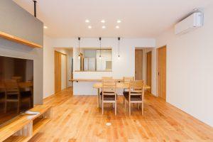 ファミリーボックス・ユートピア設計が建てた白の家の施工事例-