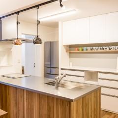 ファミリーボックス・ユートピア設計が建てた20坪台の施工事例-キッチン