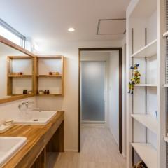 ファミリーボックス・ユートピア設計が建てた30坪台の施工事例-洗面・ランドリールーム