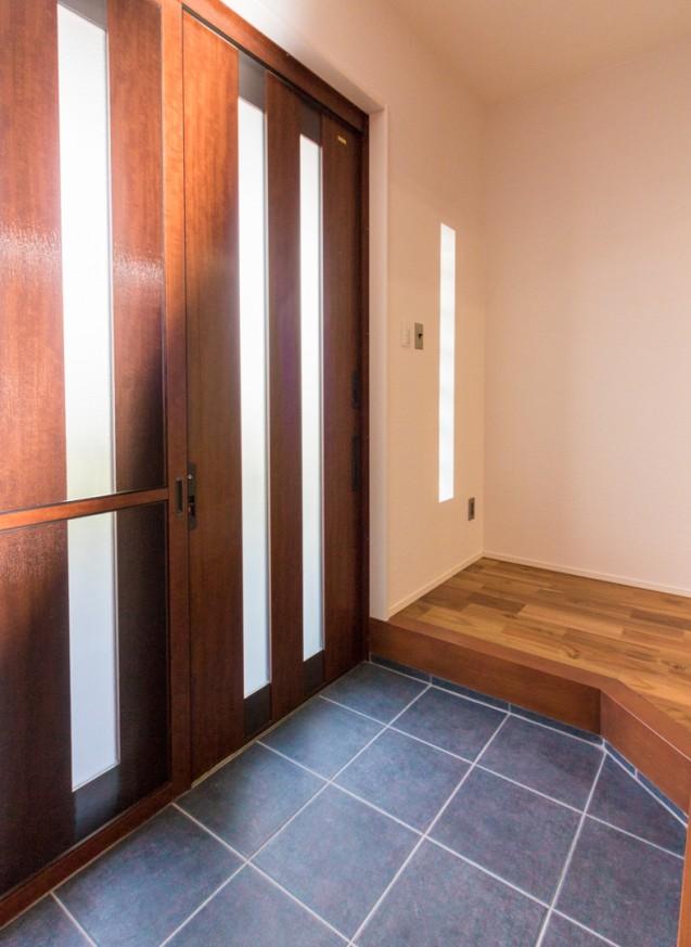 広いリビングと開放的な対面キッチンのお家