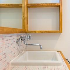 ファミリーボックス・ユートピア設計が建てた30坪台の施工事例-洗面