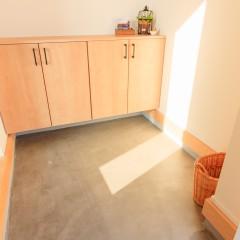 ファミリーボックス・ユートピア設計が建てた36坪台の施工事例-玄関