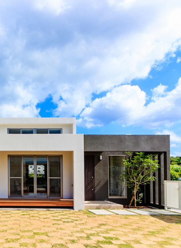 170坪の敷地に建つ33坪3LDKの白の家