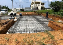 ~基礎 鉄筋組~  建物の土台となる基礎の鉄筋組み作業です。 配筋検査も無事完了しました。
