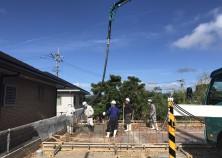 ~基礎工事中~ 土間打設中です! コンクリートが固まったら枠を解体し、躯体の壁の工事が始まります!