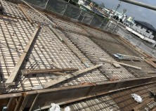 ~屋根スラブ~ 屋根スラブに鉄筋を組んでいきます! いよいよ次はコンクリートの流し込みです^^♪