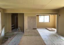 内部大工の工事が完了しました。 これから内部塗装→クロス貼りの作業に入っていきます。