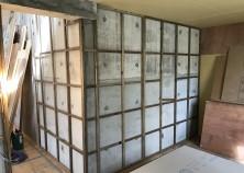~内部大工開始~ 外部で左官・塗装作業中、内部では大工工事が進んでいます!