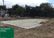 敷地の掘削が終わり、捨てコンクリートが完了しました! ここから鉄筋→型枠→検査→基礎コンクリート打設へと移っていきます! 地鎮祭の時と比べると、建物の範囲が大きく見えます(^^)