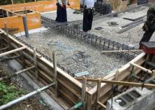 床堀りの次は基礎鉄筋組みを行います。
