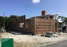 基礎型枠がばれて、躯体工事は壁→屋根へと移っていきます! 壁が建つと現場の雰囲気も変わりますね(^^)/