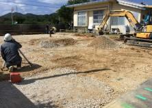 土工屋さんにて掘削中です。 型枠、鉄筋とこれから進んでいきます!
