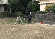 那覇市で建築のO・T邸の建物の位置出し状況です。