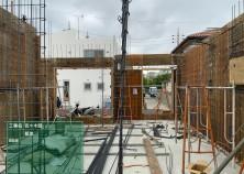 躯体工事 型枠建込状況です  ②壁配筋➡③壁配管➡型枠(内)➡スラブ張➡スラブ配筋・配管➡コンクリート打設 へと順次進んできます(^_-)-☆