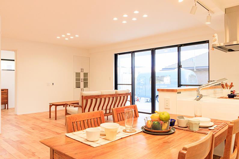 91坪の角地に建つ46坪の二世帯住宅