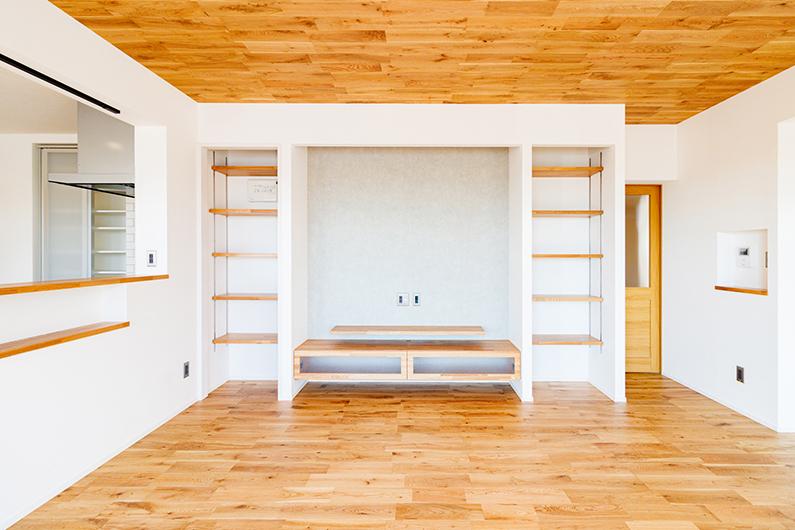 リビングに面した畳コーナーがある27坪の子育てハウス